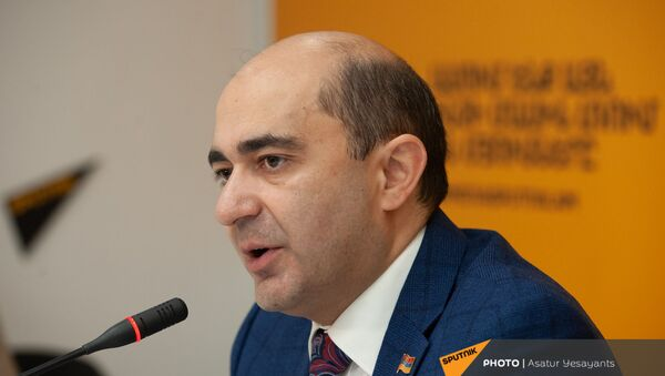 Лидер фракции Просвещенная Армения Эдмон Марукян в гостях у радио Sputnik - Sputnik Արմենիա