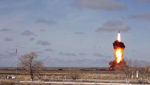 Испытательный пуск новой модернизированной ракеты российской системы ПРО на полигоне Сары-Шаган - Sputnik Армения