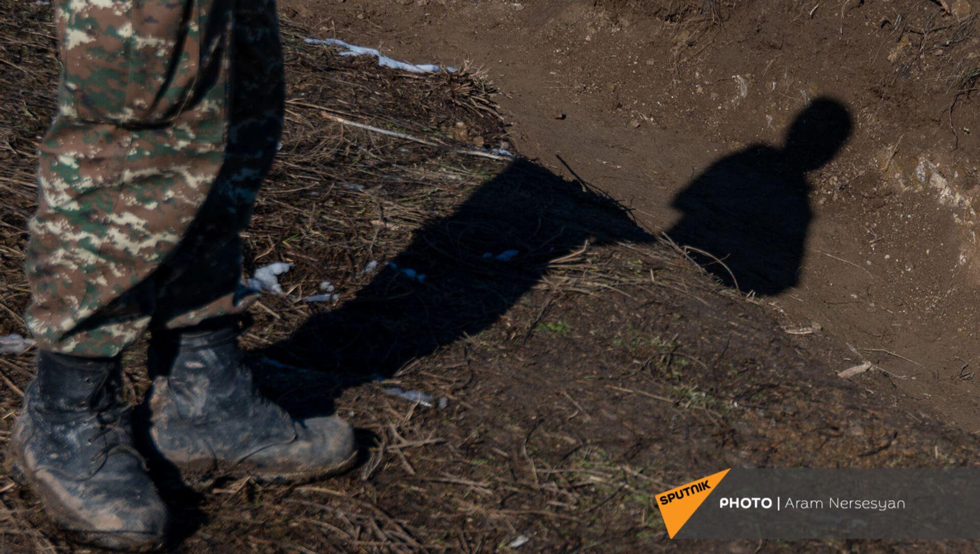 Армянские военнослужащие на одной из позиций близ села Давид Бек в Сюникской области Армении - Sputnik Արմենիա, 1920, 23.08.2021