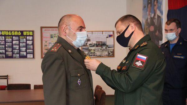 Вручениe ветеранам военной службы Армении наград Министерства обороны России (24 декабря 2020). Еревaн - Sputnik Армения