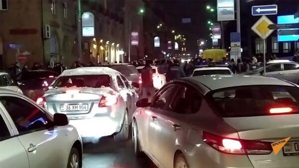 Ситуация на перекрестке улиц Арами - Налбандяна - Sputnik Армения