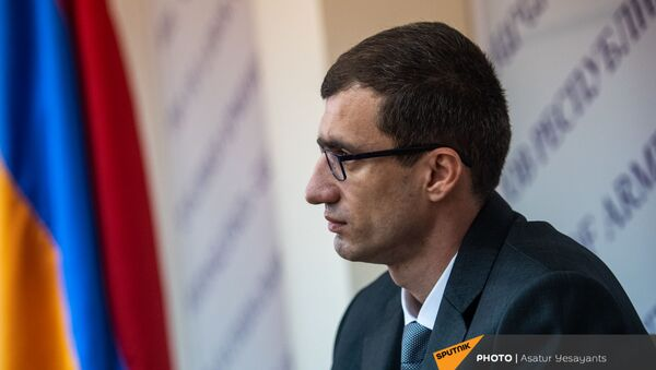 Пресс-конференция министра труда и социальных вопросов Месропа Аракеляна (25 декабря 2020). Еревaн - Sputnik Армения