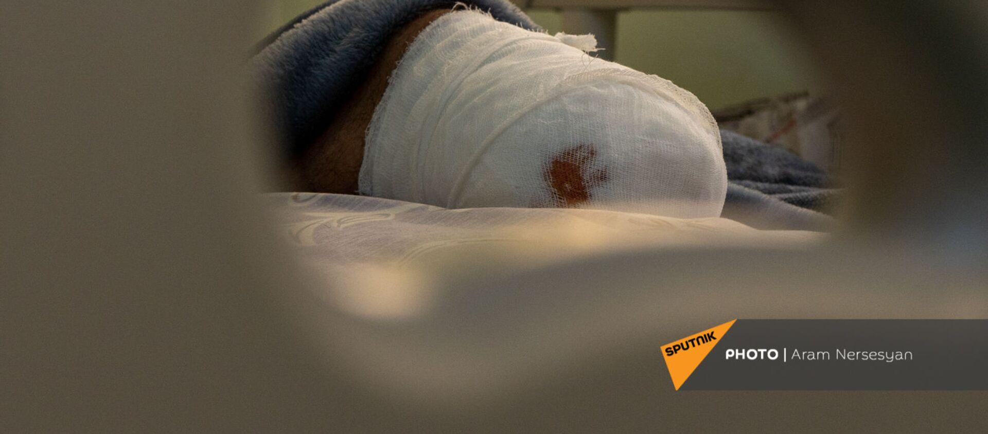 Доброволец Гор Бабаян в центральном клиническом военном госпитале - Sputnik Армения, 1920, 23.03.2021
