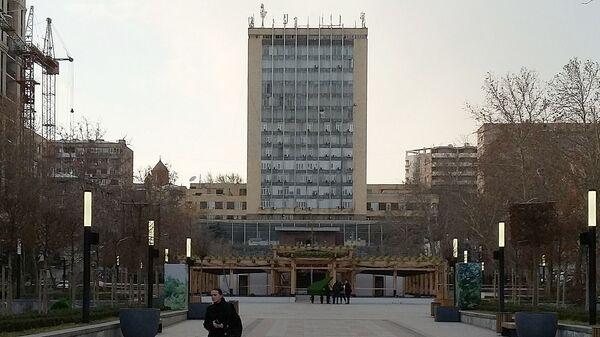 Центральное здание компании Айпост на улице Сарьяна - Sputnik Армения