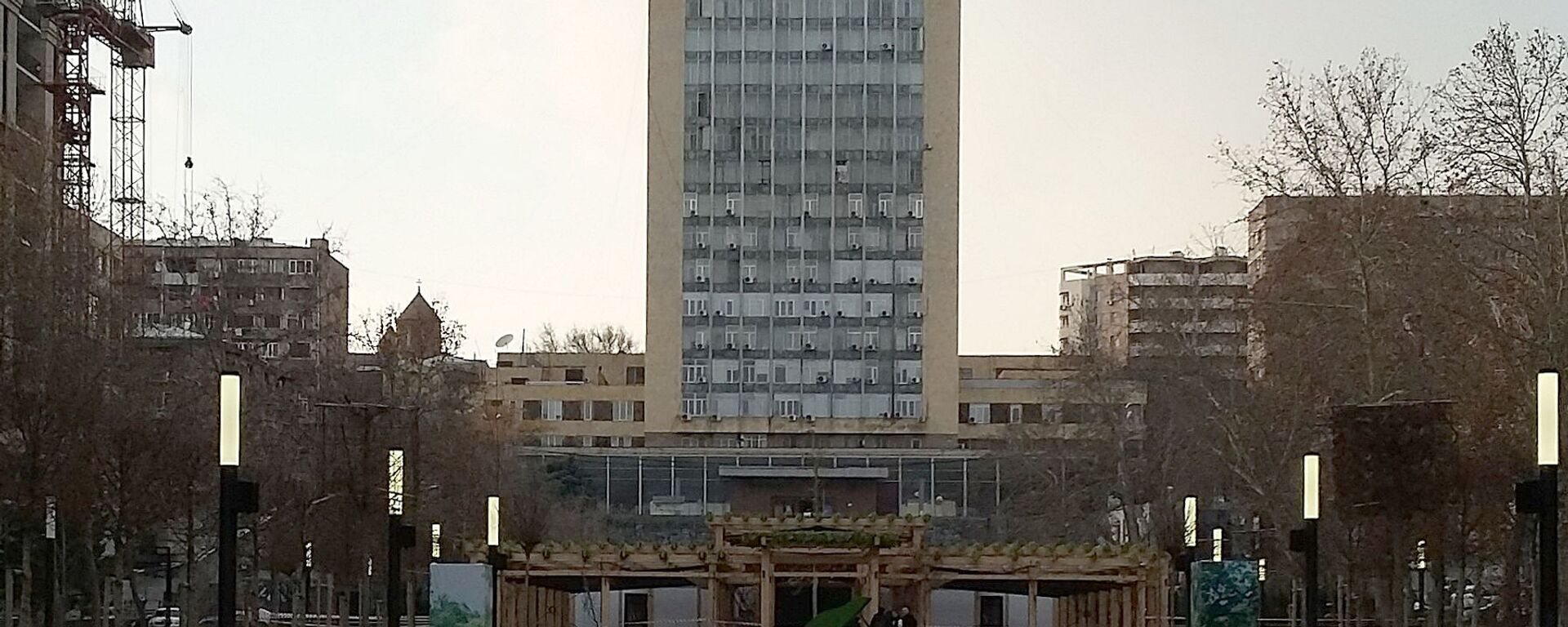 Центральное здание компании Айпост на улице Сарьяна - Sputnik Армения, 1920, 27.12.2020