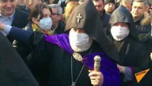 Մայր Աթոռ Սուրբ Էջմիածնում «Ամուր կանգնենք մեր եկեղեցու կողքին» խորագրով ակցիա է ընթանում - Sputnik Արմենիա