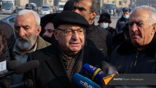 Вазген Манукян на акции протеста (28 декабря 2020). Еревaн - Sputnik Армения