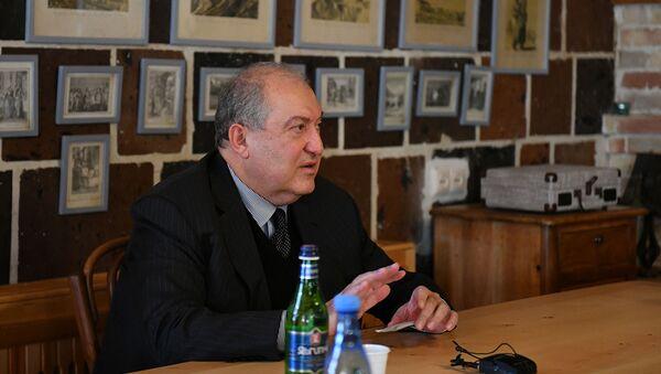 Президент Армен Саркисян во время встречи с гражданами Ширакской области (декабрь 2020). Гюмри - Sputnik Армения