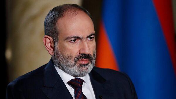 Интервью премьер-министра Никола Пашиняна в прямом эфире Петросу Казаряну (27 декабря 2020). Еревaн - Sputnik Армения