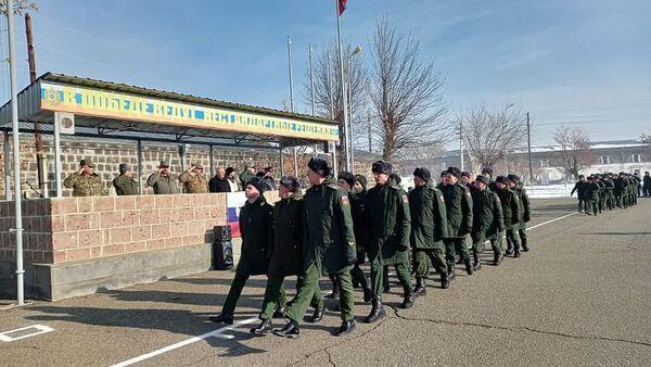 Министр обороны Вагаршак Арутюнян посетил 102 военную базу (29 декабря 2020). Еревaн - Sputnik Արմենիա