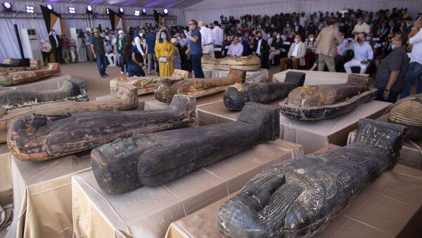 Обнаруженные 59 саркофагов с мумиями в Египте - Sputnik Армения
