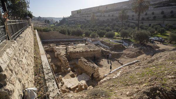 Руины ритуальной бани и церкви возрастом 2000 лет, найденные в Иерусалиме - Sputnik Армения