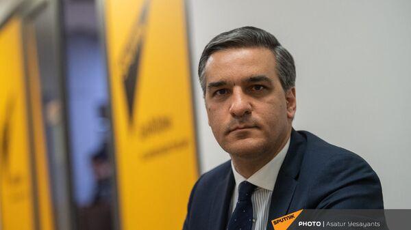 Омбудсмен Арман Татоян в гостях у радио Sputnik  - Sputnik Армения