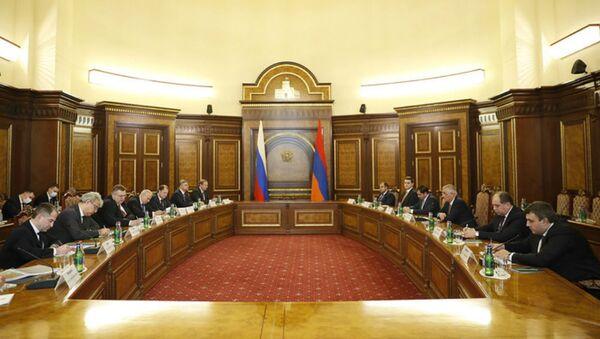 Встреча правительственных делегаций Армении и России (3 января 2021). Еревaн - Sputnik Армения