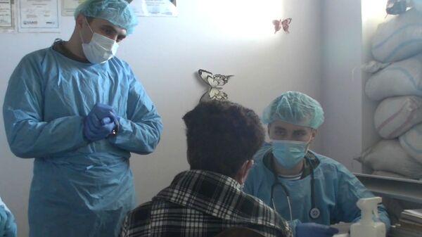 Выездные бригады военных врачей-миротворцев оказывают помощь жителям в населенных пунктах НКР (5 января 2021). Карабах - Sputnik Армения
