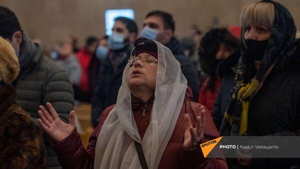 Рождественская литургия в соборе Святого Григория Просветителя (6 января 2021). Еревaн - Sputnik Արմենիա