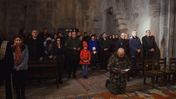 Այսօր ընտանիքիս անդամների հետ մասնակցել եմ Սուրբ Ծննդյան տոնի առթիվ մատուցված պատարագին - Sputnik Армения