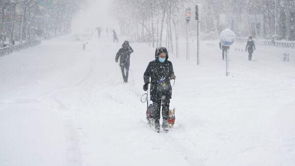 Сильный снегопад в Мадриде (9 января 2021). Испания - Sputnik Армения