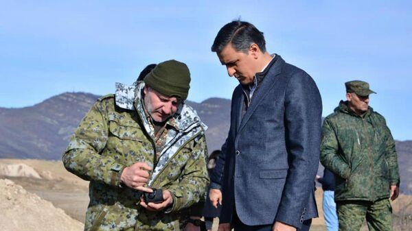 Омбудсмен Арман Татоян в Сюникской области (9 января 2021). - Sputnik Армения