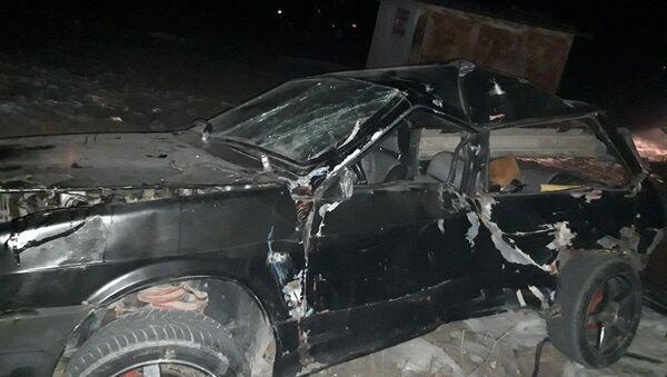 Столкновение пригородного электропоезда Ереван-Ерасх с оказавшимся на путях легковым автомобилем на перегоне Масис-Арташат (11 января). - Sputnik Армения