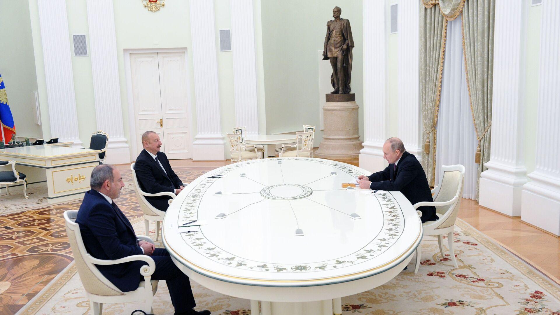 ՀՀ վարչապետ Նիկոլ Փաշինյանը ՌԴ նախագահ Վլադիմիր Պուտինը և Ադրբեջանի նախագահ Իլհամ Ալիևը - Sputnik Արմենիա, 1920, 24.09.2021