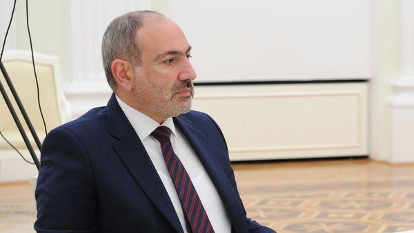 Премьер-министр Армении Никол Пашинян во время трёхсторонних переговоров (11 января 2021). Москва - Sputnik Армения