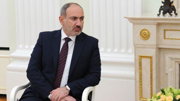 Премьер-министр Никол Пашинян во время переговоров с Владимиром Путиным (11 января 2021). Москва - Sputnik Армения