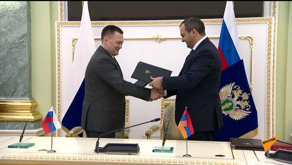 Двухсторонняя встреча генпрокуроров РА и РФ - Sputnik Армения
