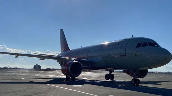 Самолет авиакомпании Россия в аэропорту Звартноц (15 января 2021). Еревaн - Sputnik Արմենիա