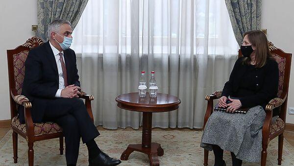 Вице-премьер Мгер Григорян встретился с ЧП послом США Линн Трейси (16 января 2020). Еревaн - Sputnik Արմենիա