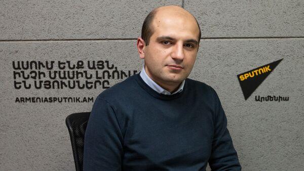 Политолог Норайр Дунамалян в гостях у радио Sputnik  - Sputnik Արմենիա