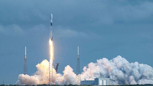 SpaceX запустила ракету с рекордным количеством спутников - Sputnik Армения