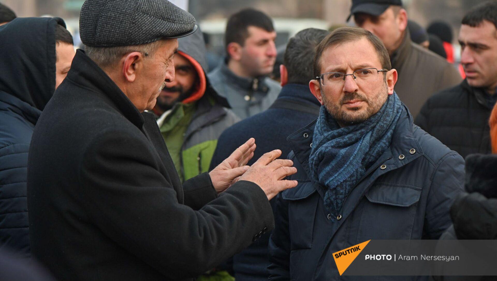 Гегам Манукян на митинге оппозиции на площади Республики (28 января 2021). Еревaн - Sputnik Արմենիա, 1920, 10.03.2021