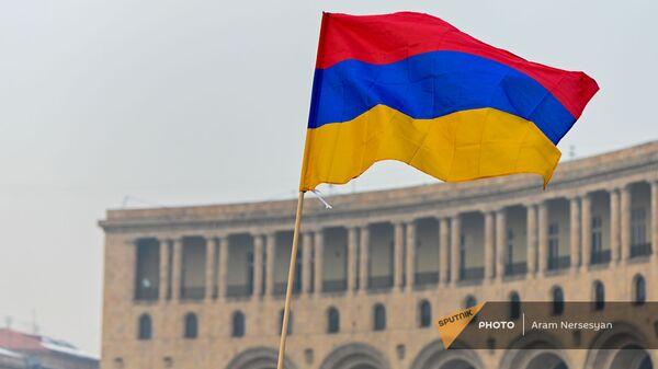 Флаг Армении на площади Республики (28 января 2021). Еревaн - Sputnik Արմենիա