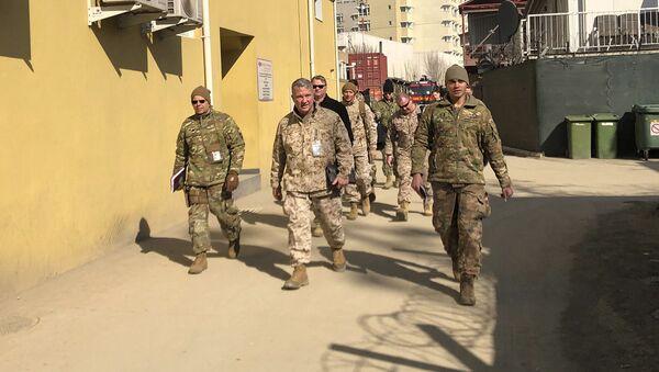 Главный командующий США на Ближнем Востоке генерал Фрэнк Маккензи совершает необъявленный визит в Кабул по вопросу встречи  официальных лиц Ирана и Талибана (31 января 2020). Афганистан - Sputnik Армения