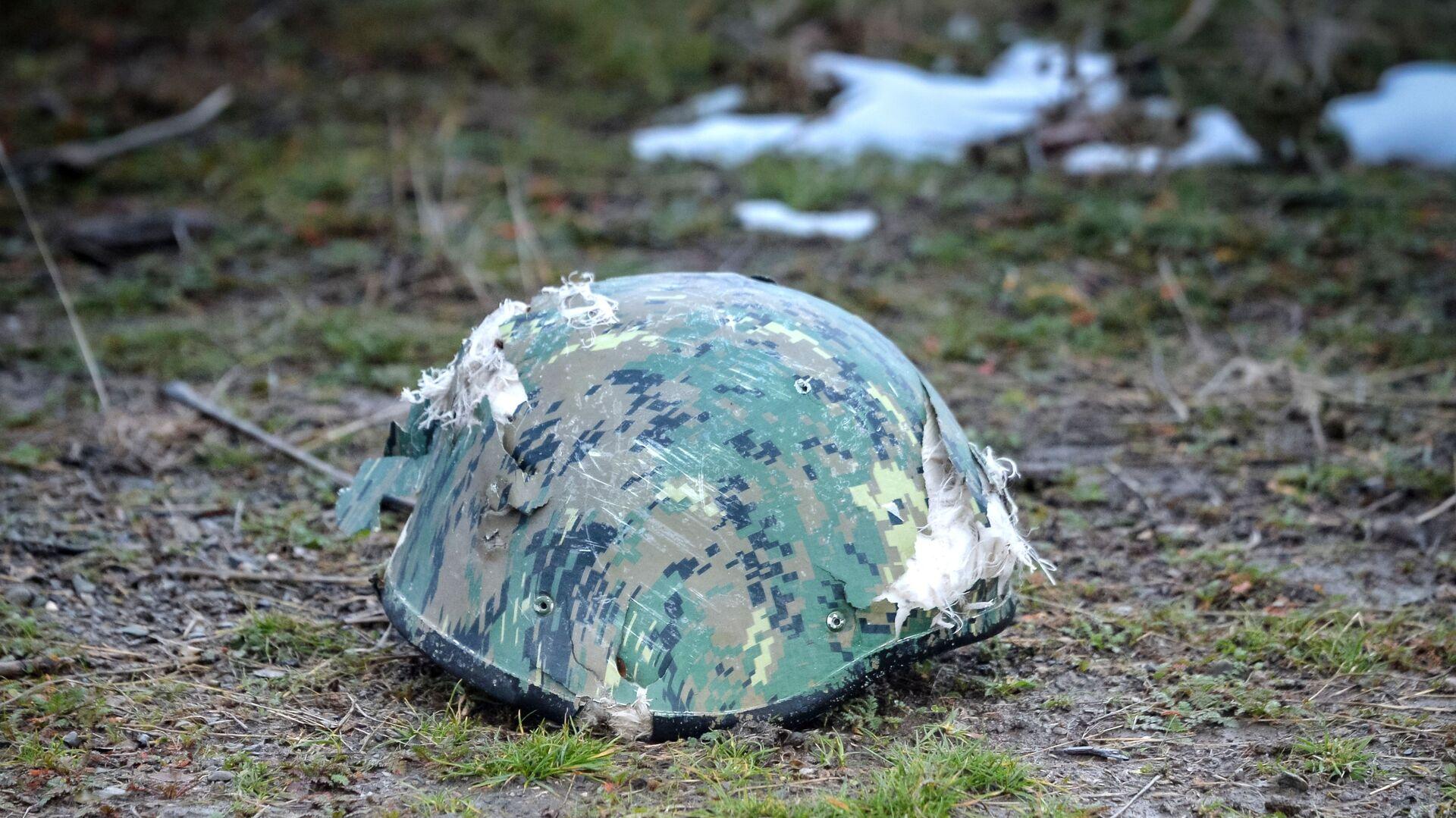 Защитный шлем азербайджанского военнослужащего. - Sputnik Արմենիա, 1920, 31.07.2021