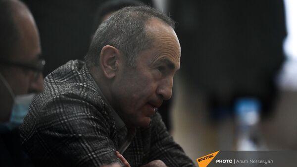 Роберт Кочарян в зале Шенгавитского суда (2 февраля 2021). Еревaн - Sputnik Армения