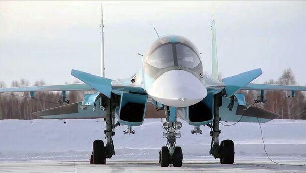 Выполнение сложных элементов летной подготовки на бомбардировщиках Су-34 в Челябинской области - Sputnik Армения