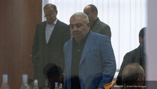 Юрий Хачатуров в зале Шенгавитского суда (2 февраля 2021). Еревaн - Sputnik Армения