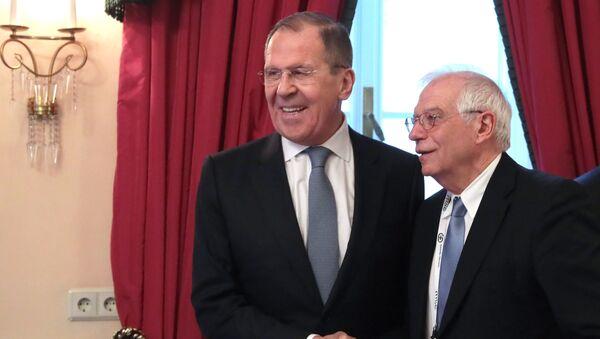 Министр иностранных дел РФ Сергей Лавров (слева) и верховный представитель ЕС по иностранным делам Жозеп Боррель - Sputnik Армения