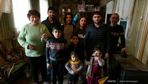 Семья Геворкян во временном доме (4 февраля 2021)․ Гехакерт - Sputnik Արմենիա
