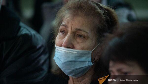 Бабушка погибшего в карабахской войне Севака Мнацаканяна, Соник Шахбазян (6 февраля 2021). Джрвеж - Sputnik Армения