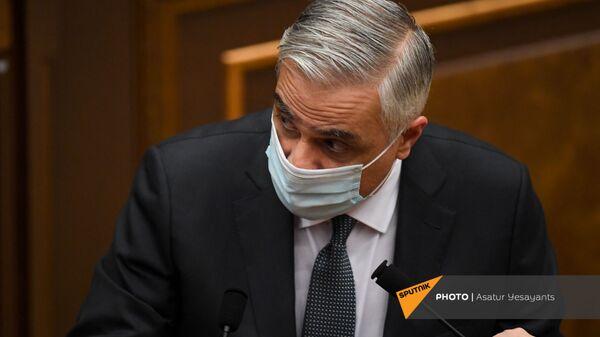 Вице-премьер Мгер Григорян на заседании в Парламенте (10 февраля 2021). Еревaн - Sputnik Արմենիա