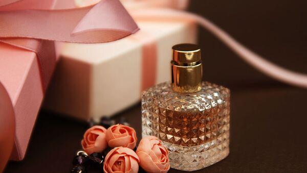 Подарки на День Святого Валентина. 5 достойных ароматов дешевле 70 тысяч драм - Sputnik Армения