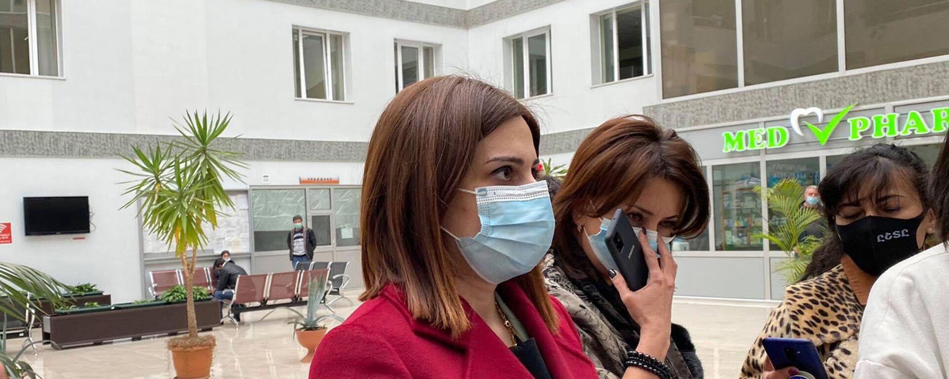 Министр здравоохранения Анаит Аванесян во время посещения Медицинского центра Гюмри (12 февраля 2021). Гюмри - Sputnik Армения, 1920, 04.03.2021