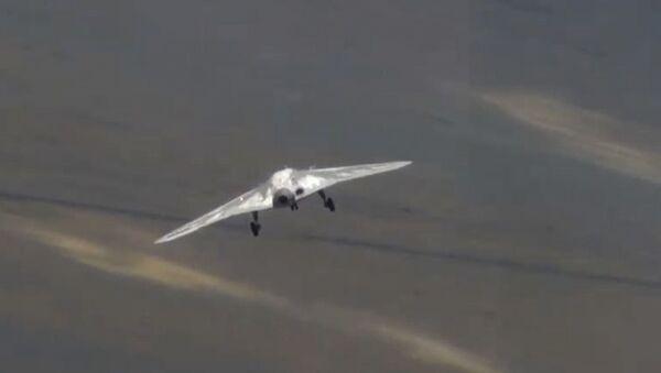 Первый полет новейшего беспилотника «Охотник» - Sputnik Армения