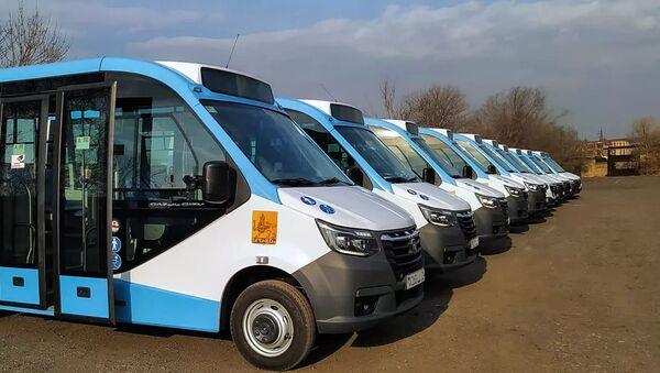 Новые микроавтобусы на линии номер 38 в Ереване - Sputnik Армения