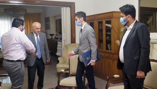 Посол Армении в Иране Арташес Туманян встретился с представителями компании Exe Start Out (11 февраля 2021). Тегеран - Sputnik Армения