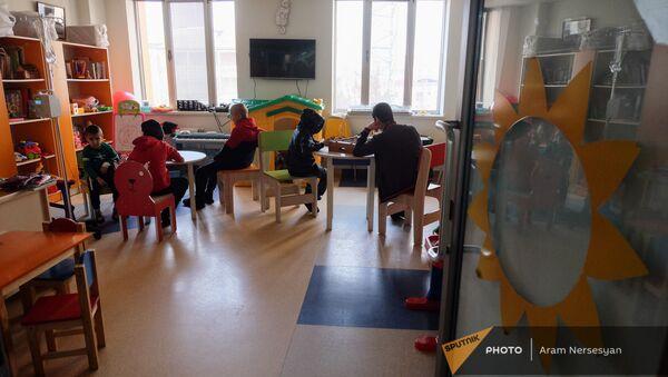 Пациенты Гематологического центра имени Йоляна - Sputnik Արմենիա
