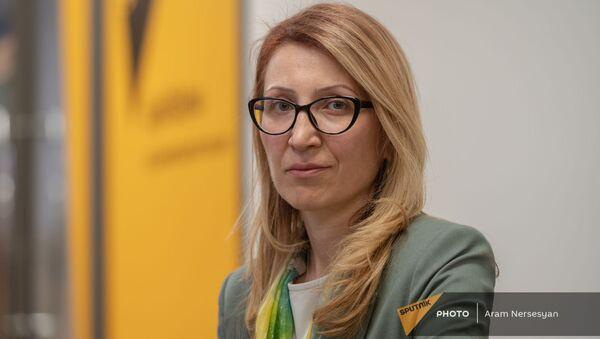 Министр труда, социальных и миграционных вопросов Карабаха Мане Тандилян в гостях радио Sputnik - Sputnik Արմենիա